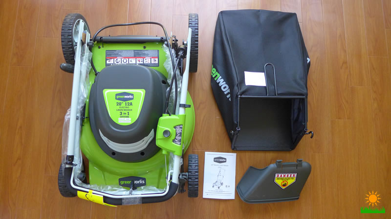 Whats included in the GreenWorks 25022 Corded Lawn Mower box