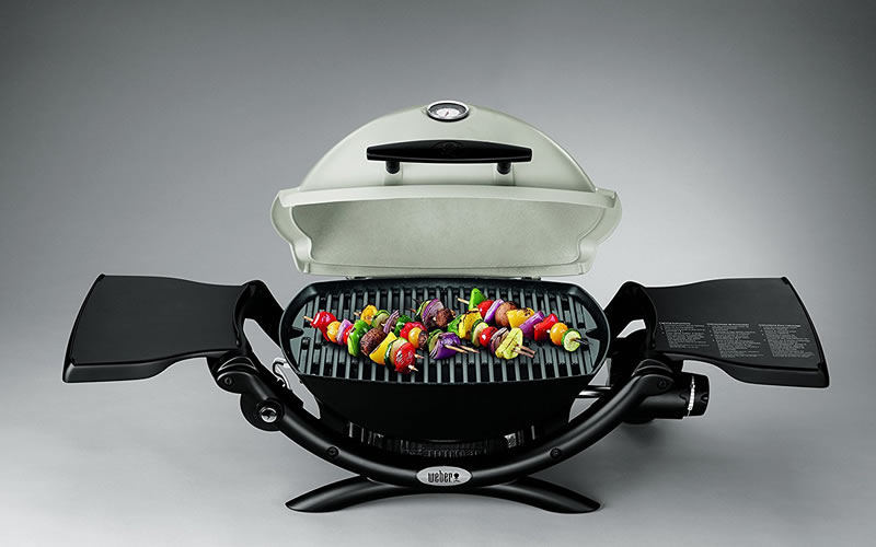 Weber Q1200 Liquid Propane Grill and Portable Grilling Cart